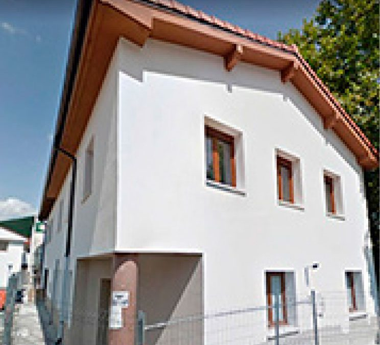 Ampliación, eliminación de barreras y mejora de la envolvente térmica (fachadas y cubierta) Centro Cívico Arre