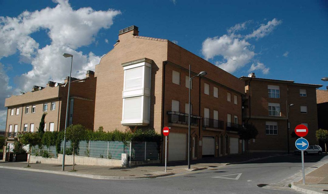 Promoción de 6 Viviendas + 6 Viviendas Unifamiliares adosadas en Huarte, C/Miravalles