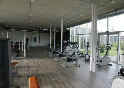 Adecuación local como gimnasio en polideportivo municipal de Esquiroz